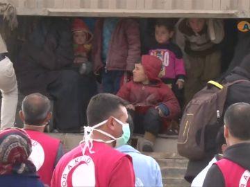 Continúan las evacuaciones del último bastión del Estado Islámico en Siria