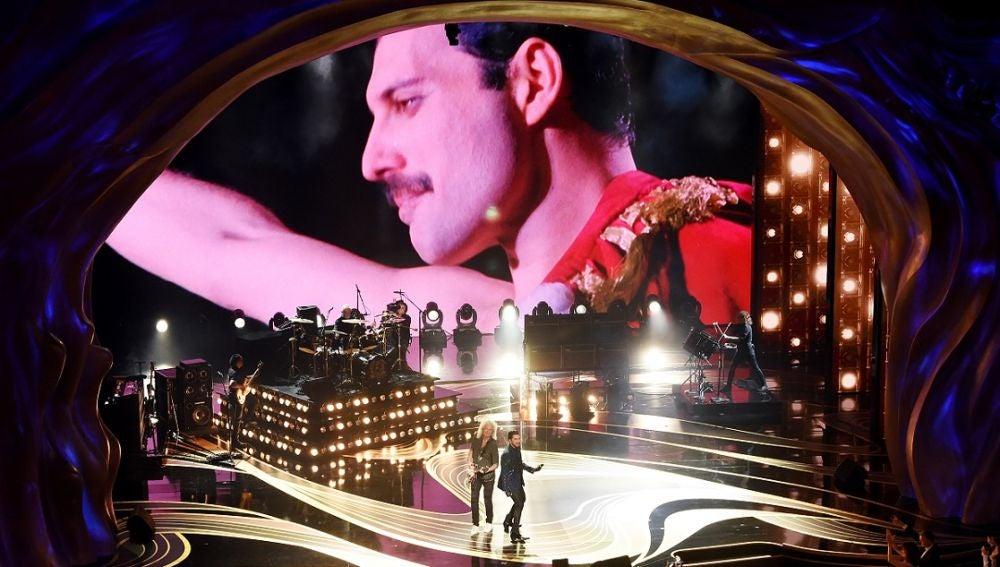 Queen tocando en los Oscar 2019