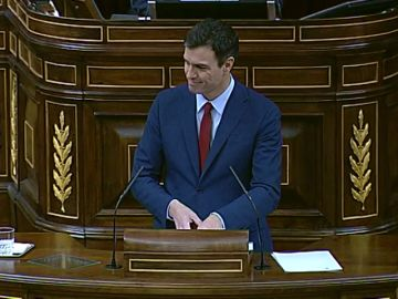 """La crítica de Sánchez a Rajoy que hoy se vuelve en su contra: """"No se puede gobernar a golpe de decreto ley"""""""