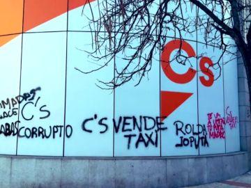 Pintadas insultantes en la sede de Ciudadanos
