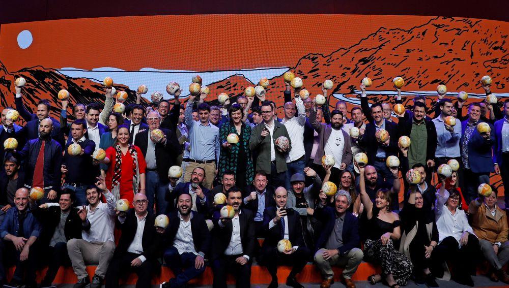 Los galardonados durante la gala de La Guía Repsol celebrada hoy en San Sebastián