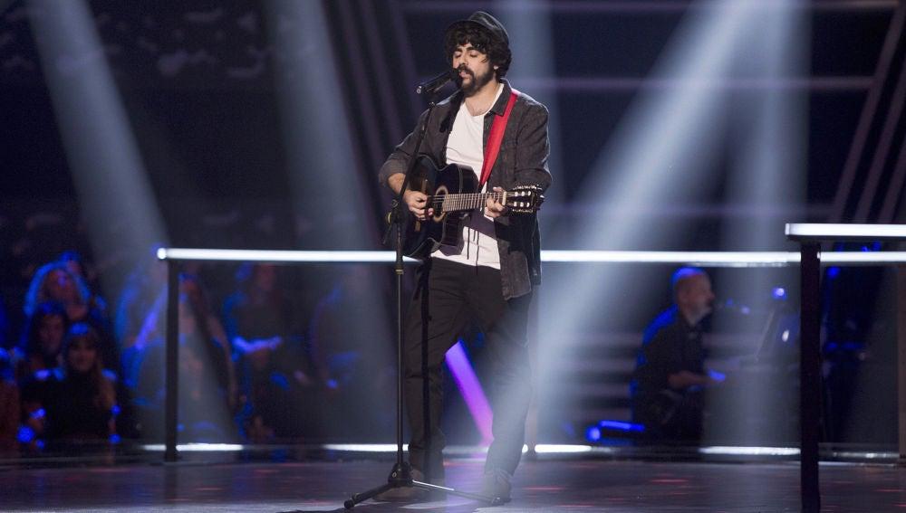 Vídeo: Actuación Jesús Albarrán canta 'Kansas City' en los Asaltos