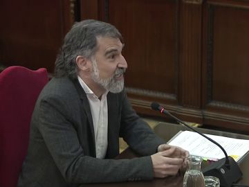"""Jordi Cuixart se define como """"activista social"""" en el juicio al 'procés': """"El derecho a votar en Cataluña se gana votando"""""""