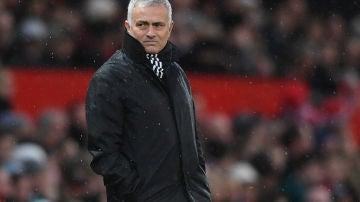 Mourinho en un partido del Manchester United