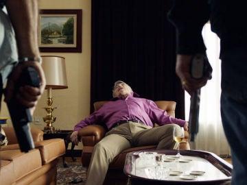 Pascual y Teo cumplen las órdenes de Don Julio y acaban con Da Silva