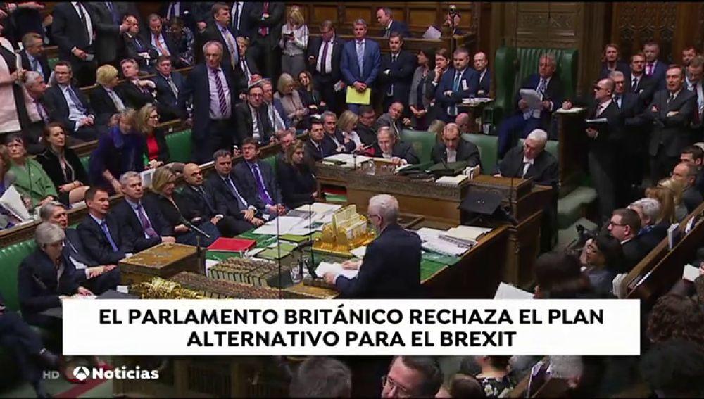 """El parlamento británico rechaza el plan alternativo para el """"Brexit"""""""