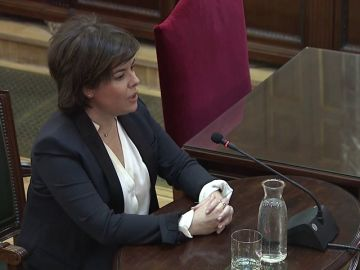 """Sáenz de Santamaría, en el juicio al 'procés': """"Le dije a Junqueras que no íbamos a hablar de referéndum"""""""