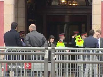 La Guardia Civil se persona en el Parlament para requerir información sobre el 1-O