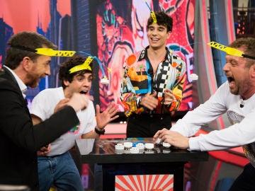 VÍDEO: El divertido juego de 'Los Javis' con El Monaguillo