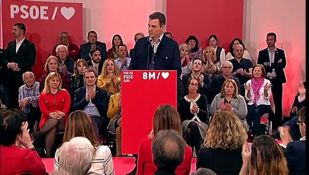 Sánchez avisa que seguirá tomando medidas sociales y anuncia que va a recuperar el subsidio