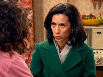"""Manolita advierte a Amelia: """"Marcelino ha descubierto tu secreto"""""""