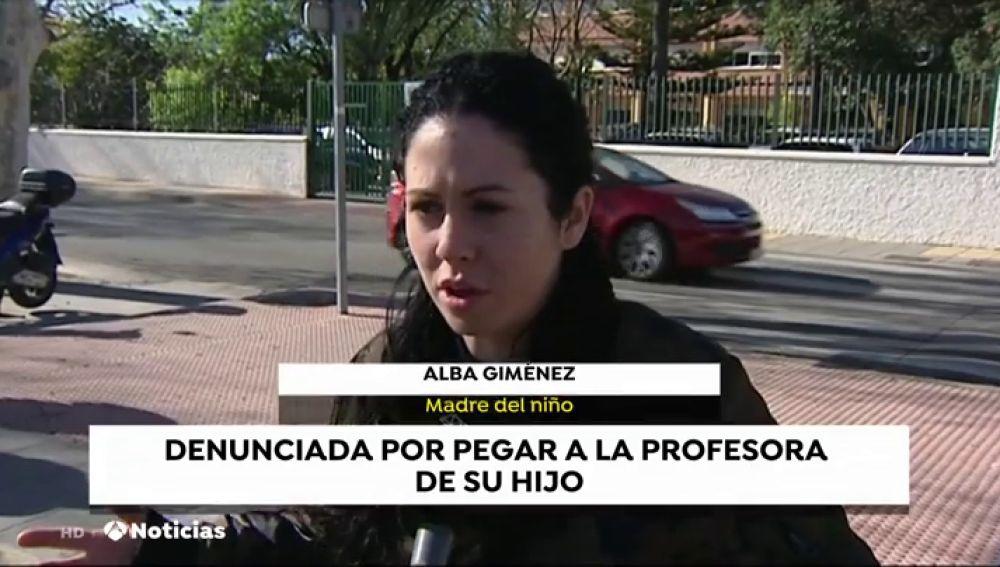 Una madre propina un cabezazo y rompe el labio a una profesora de Málaga porque su hijo se quedó con hambre en el desayuno