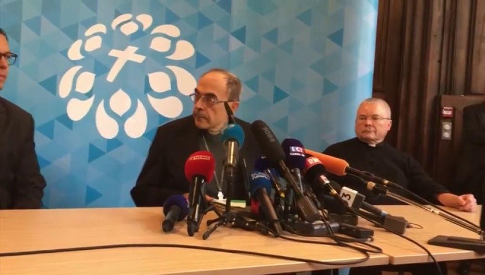Dimite el cardenal francés Barbarin, condenado por encubrir a un cura pederasta