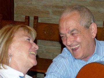 Maribel Tellaetxe, junto a su marido.