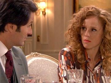 Gabriel pide matrimonio a Natalia en plena cena familiar