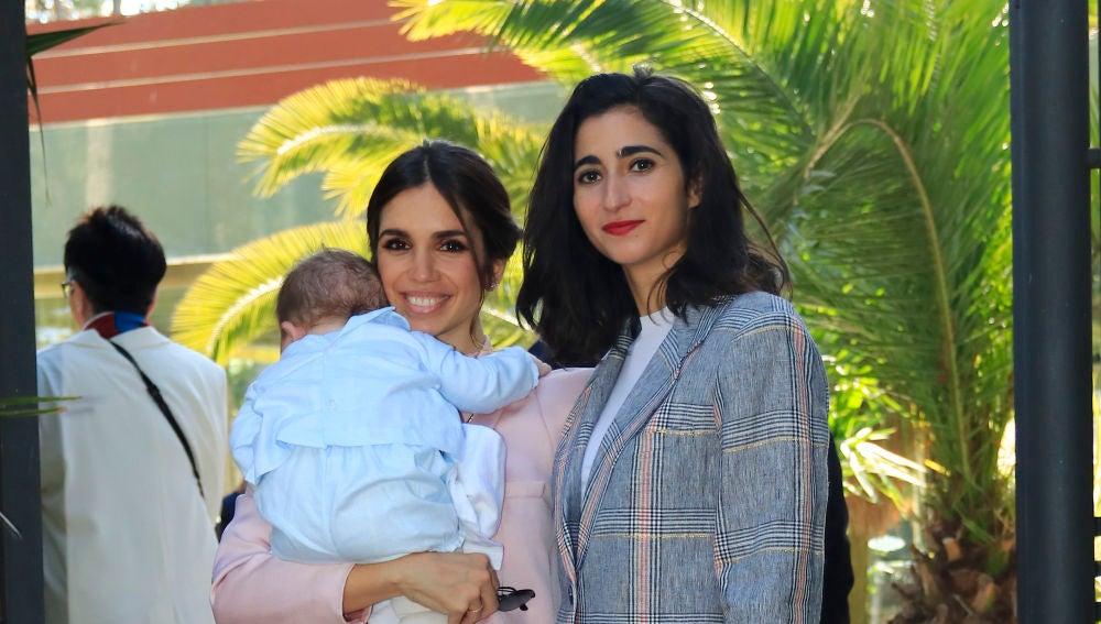 Alba Flores y su prima Elena Furiase