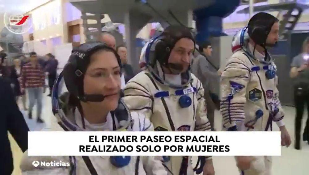 El primer paseo espacial solo de mujeres