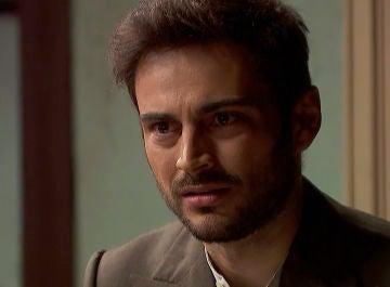 """Saúl, desesperado por no poder sacar a Julieta del """"pozo"""" donde se hayaSaúl, desesperado por no poder sacar a Julieta del """"pozo"""" donde se haya"""