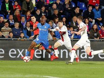 Momento del partido entre Getafe y Huesca