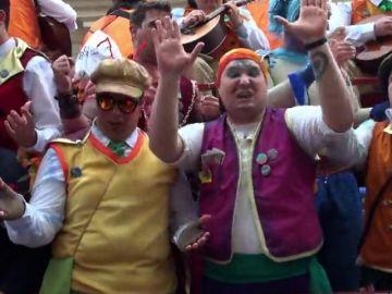 Cádiz se deja el alma en la celebración de su emblemático carnaval