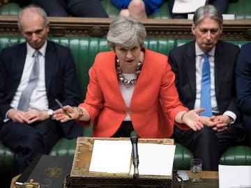 Theresa May durante la segunda votación del acuerdo del Brexit en el Parlamento de Reino Unido