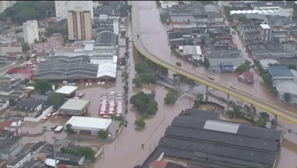 Al menos doce muertos por un temporal de lluvias en Brasil