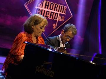 Carmen Maura y Pablo Motos emocionan con 'La Bella Durmiente' a cuatro manos