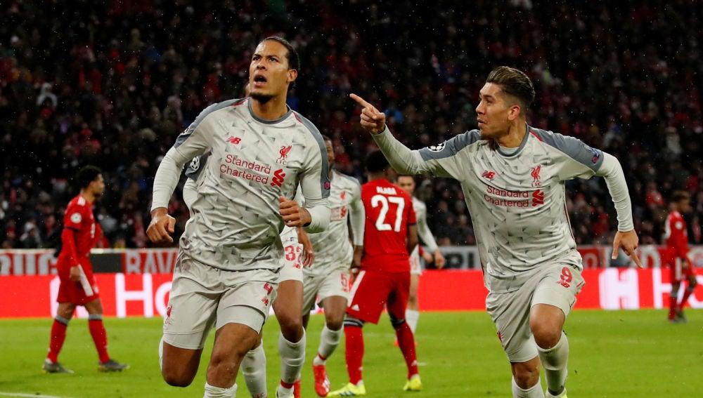 Van Dijk celebra su gol al Bayern