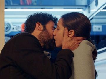 """María, a Jacobo: """"Consuelas muy mal, pero besas muy bien"""""""