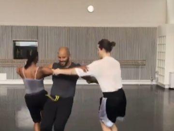 'Triangle Dance', el nuevo reto viral que triunfa en las redes
