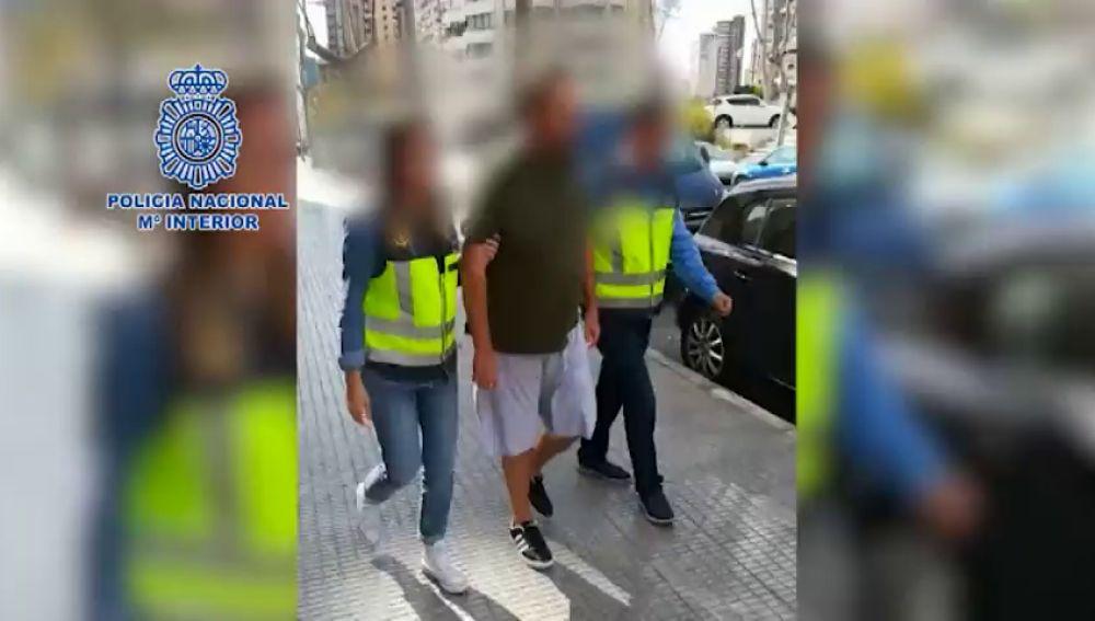 DETENIDO UN BRITÁNICO EN BENIDORM POR ABUSAR DE SUS HIJASTROS