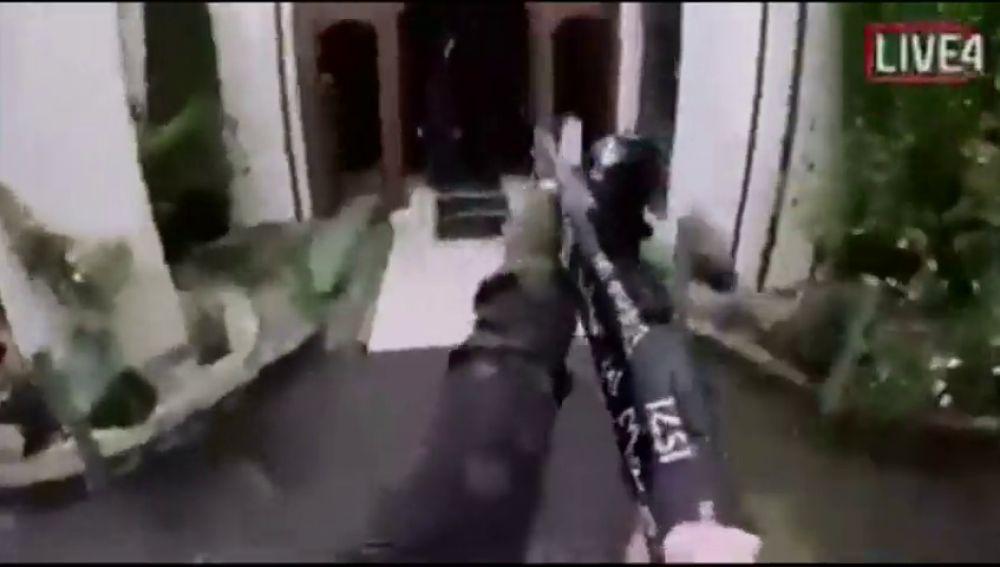 Uno de los asaltantes del ataque a las mezquitas de Nueva Zelanda retrasmitió el tiroteo en directo