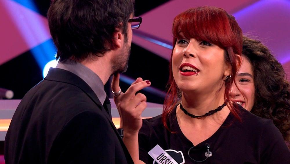 Una romántica Úrsula seduce a Juanra Bonet cantando 'Miedo' en directo '¡Boom!'