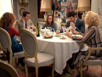 """Mónica fantasea con la boda de Natalia y Gabriel: """"¿No os casaréis de penalti, no?"""""""