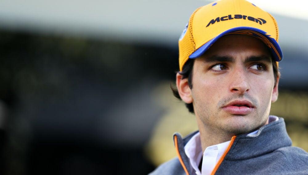 Carlos Sainz, en el paddock