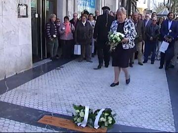 San Sebastián coloca las primeras cuatro placas en memoria de las víctimas del terrorismo
