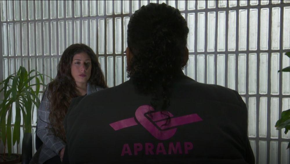 Mediadora de la asociación APRAMP, que ayuda a mujeres a salir de la prostitución