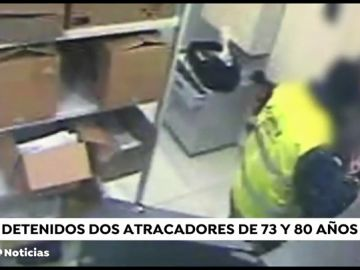 Detienen a dos ancianos acusados de cometer varios atracos en sucursales bancarias de Barcelona
