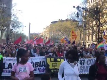Comienza la manifestación contra Vox y el racismo en Barcelona