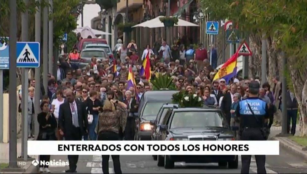 Entierran a 14 asesinados de la Guerra Civil cuyos cuerpos fueron lanzados a un pozo en Gran Canaria