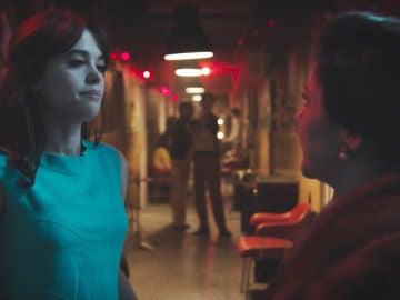 """VÍDEO: Elisa, tras interrumpir el ensayo de Maribel y Robert: """"Más te vale que tu prometido no se entere"""""""