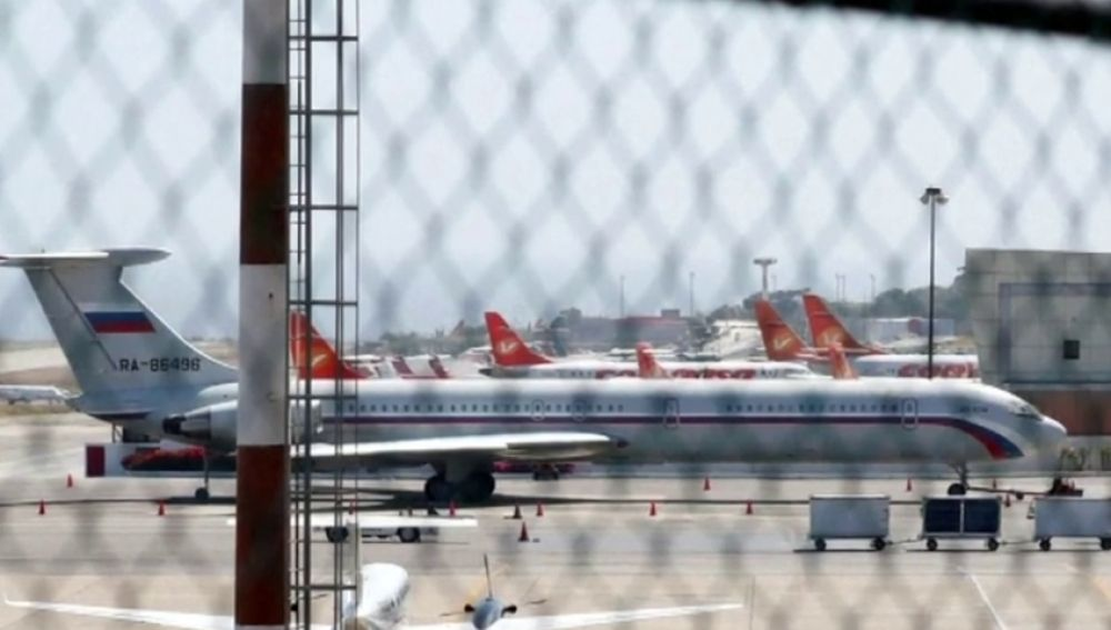 Aviones rusos aterrizan en Venezuela con 100 militares