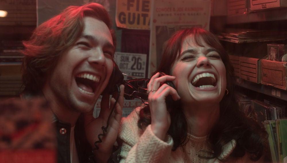 """Robert, a Maribel: """"¿Estás segura de que me has traído aquí solo por la música?"""""""