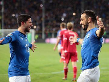 Quagliarella celebra uno de sus goles con Italia