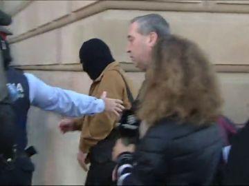 El fiscal acusa a los maristas de no haber actuado en el caso de los abusos del exprofesor Benítez