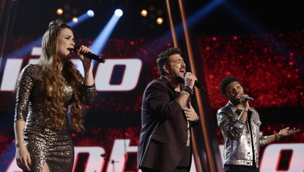 Antonio Orozco canta 'Por pedir, pedí' con Marcelino Damion y Lorena Fernández en los Directos de 'La Voz'