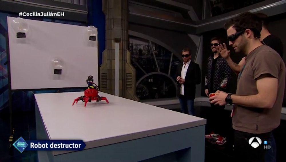 Marron presenta en 'El Hormiguero 3.0' el robot militar