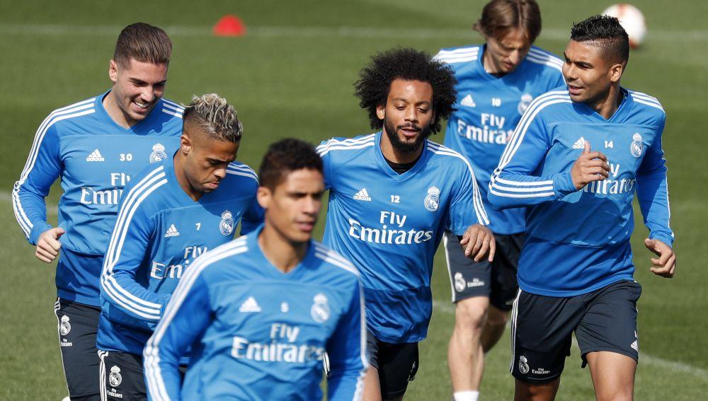 Los jugadores del Real Madrid se ejercitan en Valdebebas