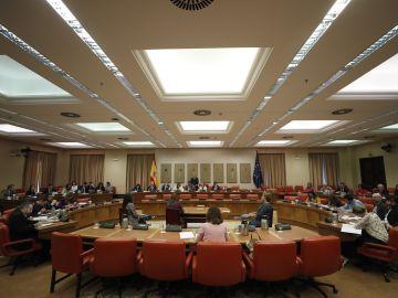 Vista general de la reunión de la Diputación Permanente en el Congreso de los Diputados