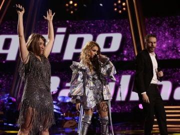 VÍDEO: Paulina Rubio canta 'Mi nuevo vicio' con Viki Lafuente y Ángel Cortés en la Semifinal de 'La Voz'
